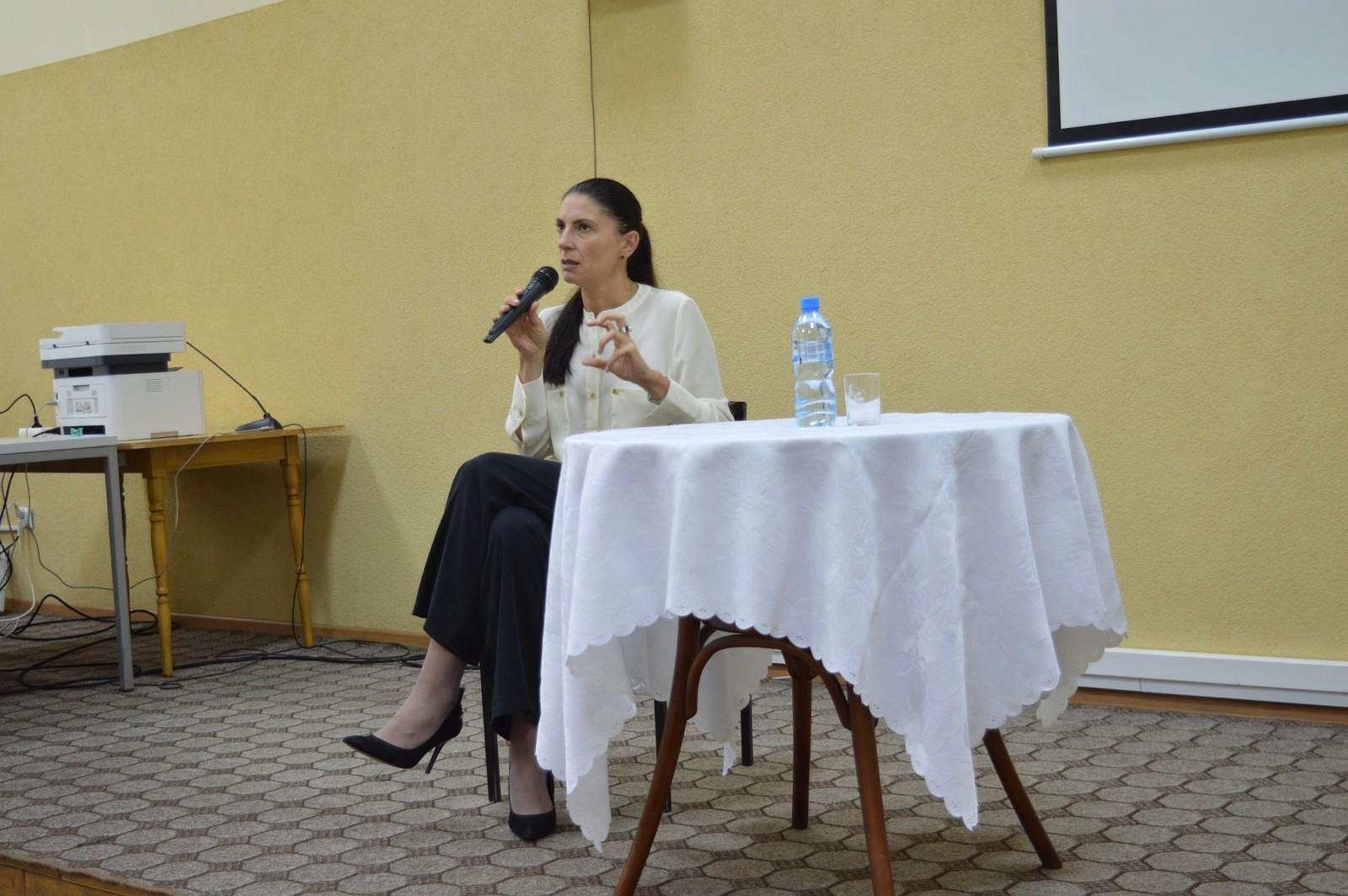 Spotkanie autorskie z Ałbeną Grabowską, Alwernia 17.09.2021 r.